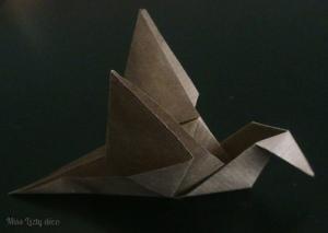 flapping bird en papier Kraft.